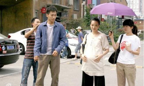 http://rongyiedu-guanwang.oss-cn-beijing.aliyuncs.com/小编带你近距离了解艺人助理这个职位